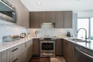 "Photo 13: 704 125 COLUMBIA Street in New Westminster: Downtown NW Condo for sale in ""NORTHBANK"" : MLS®# R2387169"