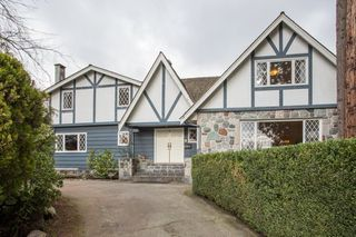 Photo 2: 3265 SW MARINE Drive in Vancouver: Kerrisdale House for sale (Vancouver West)  : MLS®# R2436070
