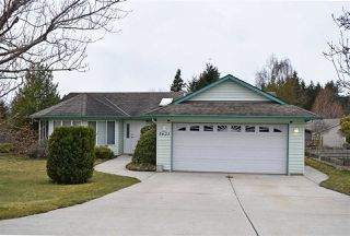 Main Photo: 5623 EMERSON Road in Sechelt: Sechelt District House for sale (Sunshine Coast)  : MLS®# R2448377