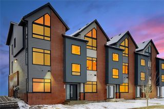 Photo 4: 41 Sage Meadows Circle NW in Calgary: Sage Hill Row/Townhouse for sale : MLS®# A1031144