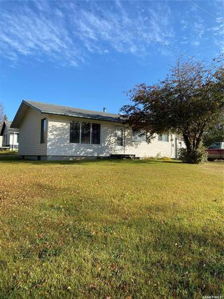 Photo 2: 201 1st Avenue North in Lintlaw: Residential for sale : MLS®# SK828974