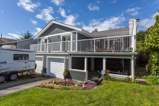 "Photo 2: 1135 HABGOOD Street: White Rock House for sale in ""EAST BEACH"" (South Surrey White Rock)  : MLS®# R2507661"