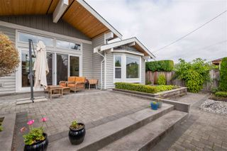"Photo 31: 1291 PINEWOOD Crescent in North Vancouver: Norgate House for sale in ""Norgate"" : MLS®# R2516776"