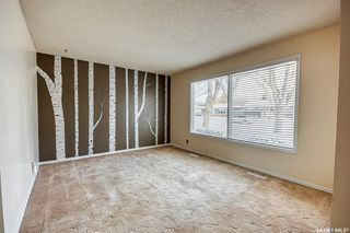 Photo 3: 210 Montreal Street North in Regina: Churchill Downs Residential for sale : MLS®# SK834198