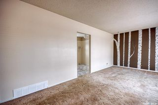 Photo 2: 210 Montreal Street North in Regina: Churchill Downs Residential for sale : MLS®# SK834198