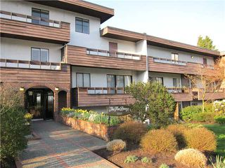 "Photo 1: 308 2025 W 2ND Avenue in Vancouver: Kitsilano Condo for sale in ""SEABREEZE"" (Vancouver West)  : MLS®# V881993"