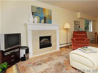 Photo 3: 101 1050 Park Boulevard in VICTORIA: Vi Fairfield West Condo Apartment for sale (Victoria)  : MLS®# 292693