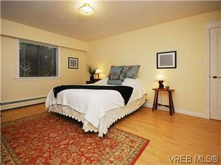 Photo 11: 101 1050 Park Boulevard in VICTORIA: Vi Fairfield West Condo Apartment for sale (Victoria)  : MLS®# 292693