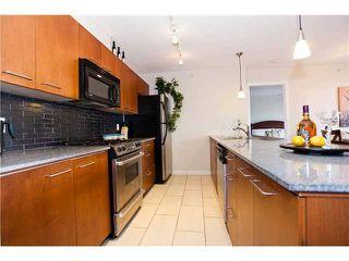 "Photo 3: 1403 4333 CENTRAL Boulevard in Burnaby: Metrotown Condo for sale in ""PRESIDIA"" (Burnaby South)  : MLS®# V913351"