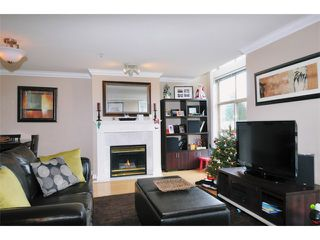 "Photo 1: 29 2378 RINDALL Avenue in Port Coquitlam: Central Pt Coquitlam Condo for sale in ""BRITTANY PARK"" : MLS®# V922637"