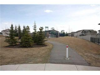 Photo 18: 35 KINGSLAND Way SE: Airdrie Residential Detached Single Family for sale : MLS®# C3605063
