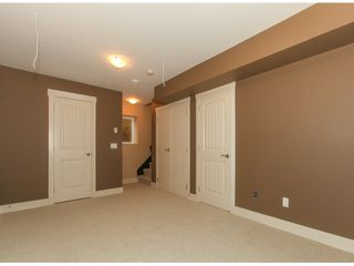 Photo 12: 5970 131ST Street in Surrey: Panorama Ridge House for sale : MLS®# F1425192