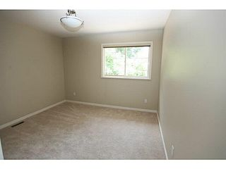 "Photo 6: 13 20761 TELEGRAPH Trail in Langley: Walnut Grove Townhouse for sale in ""WOODBRIDGE"" : MLS®# F1444209"