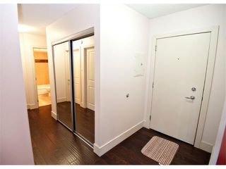 Photo 3: 403 1231 17 Avenue NW in Calgary: Capitol Hill Condo for sale : MLS®# C4021349