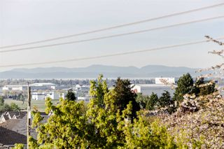 "Photo 3: PH11 1503 W 65TH Avenue in Vancouver: S.W. Marine Condo for sale in ""The Soho"" (Vancouver West)  : MLS®# R2059584"