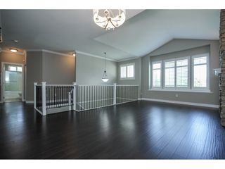 "Photo 4: 33039 BOOTHBY Avenue in Mission: Mission BC House for sale in ""Cedar Valley Estates"" : MLS®# R2091912"