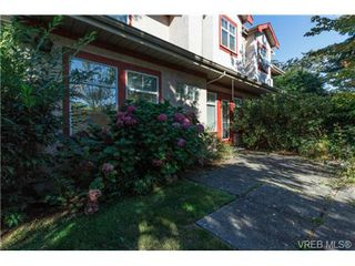 Photo 17: 112 1110 Willow Street in VICTORIA: SE Lake Hill Townhouse for sale (Saanich East)  : MLS®# 369075
