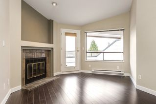 Photo 2: 302 11724 225 Street in Maple Ridge: East Central Townhouse for sale : MLS®# R2122541