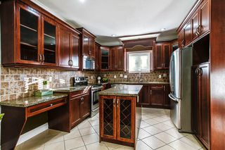 "Photo 5: 24318 102 Avenue in Maple Ridge: Albion House for sale in ""Castle Brook"" : MLS®# R2126861"