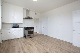 Photo 8: DOWNTOWN Apartment for rent : 2 bedrooms : 2306 India Street in San Diego