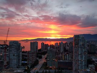 """Photo 1: 3802 1372 SEYMOUR Street in Vancouver: Downtown VW Condo for sale in """"The Mark - Yaletown"""" (Vancouver West)  : MLS®# R2189623"""