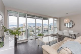 """Photo 3: 3802 1372 SEYMOUR Street in Vancouver: Downtown VW Condo for sale in """"The Mark - Yaletown"""" (Vancouver West)  : MLS®# R2189623"""