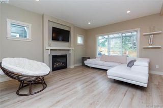 Photo 3: 1018 Gala Crt in VICTORIA: La Happy Valley House for sale (Langford)  : MLS®# 765841