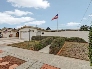 Photo 3: CLAIREMONT House for sale : 3 bedrooms : 4025 Mount Blackburn Ave in San Diego