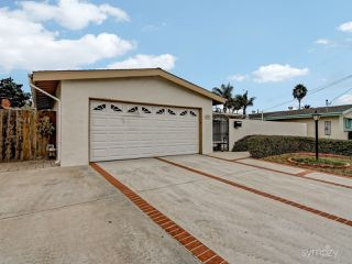 Photo 2: CLAIREMONT House for sale : 3 bedrooms : 4025 Mount Blackburn Ave in San Diego