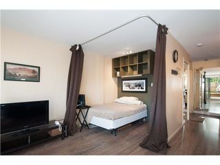 "Photo 8: 107 853 E 7TH Avenue in Vancouver: Mount Pleasant VE Condo for sale in ""Vista Villa"" (Vancouver East)  : MLS®# R2221809"
