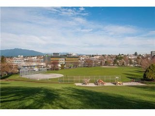 "Photo 15: 107 853 E 7TH Avenue in Vancouver: Mount Pleasant VE Condo for sale in ""Vista Villa"" (Vancouver East)  : MLS®# R2221809"