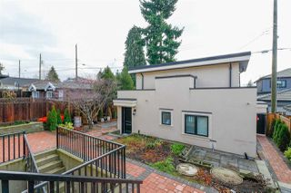 Photo 5: 2250 E 54TH Avenue in Vancouver: Fraserview VE House for sale (Vancouver East)  : MLS®# R2226009