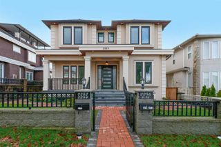 Photo 1: 2250 E 54TH Avenue in Vancouver: Fraserview VE House for sale (Vancouver East)  : MLS®# R2226009