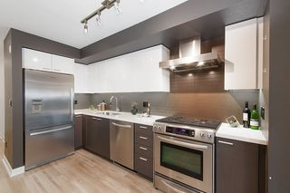"Photo 7: 307 2888 E 2ND Avenue in Vancouver: Renfrew VE Condo for sale in ""SESAME"" (Vancouver East)  : MLS®# R2254911"