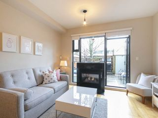 Photo 1: 3782 COMMERCIAL STREET in Vancouver: Victoria VE Townhouse for sale (Vancouver East)  : MLS®# R2258511