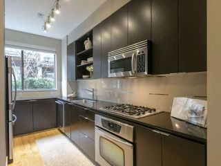 Photo 5: 3782 COMMERCIAL STREET in Vancouver: Victoria VE Townhouse for sale (Vancouver East)  : MLS®# R2258511