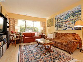 Photo 4: 105 909 Pendergast St in VICTORIA: Vi Fairfield West Condo Apartment for sale (Victoria)  : MLS®# 785839