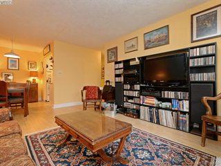 Photo 3: 105 909 Pendergast St in VICTORIA: Vi Fairfield West Condo Apartment for sale (Victoria)  : MLS®# 785839