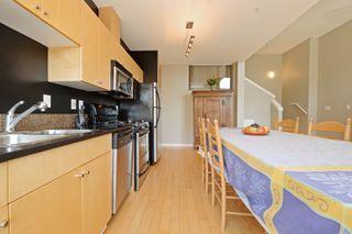 Photo 11: 305 1721 Quadra St in VICTORIA: Vi Central Park Condo Apartment for sale (Victoria)  : MLS®# 793599
