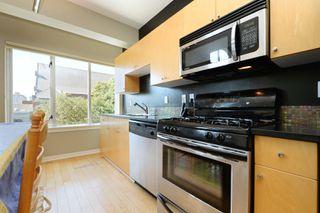 Photo 10: 305 1721 Quadra St in VICTORIA: Vi Central Park Condo Apartment for sale (Victoria)  : MLS®# 793599