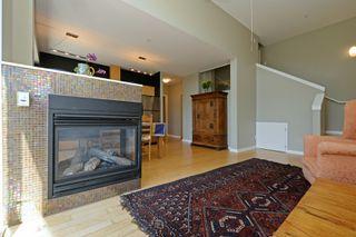 Photo 3: 305 1721 Quadra St in VICTORIA: Vi Central Park Condo Apartment for sale (Victoria)  : MLS®# 793599