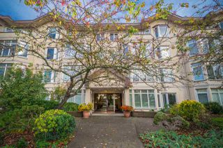 Main Photo: 109 2677 E BROADWAY in Vancouver: Renfrew VE Condo for sale (Vancouver East)  : MLS®# R2318354