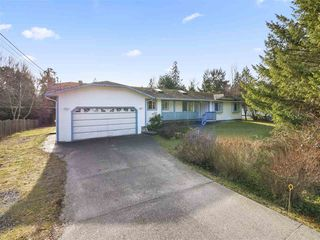 Photo 2: 1271 FITCHETT Road in Gibsons: Gibsons & Area House for sale (Sunshine Coast)  : MLS®# R2334465
