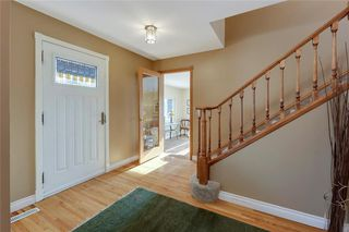 Photo 8: 10636 MAPLEGLEN Crescent SE in Calgary: Maple Ridge Detached for sale : MLS®# C4225392