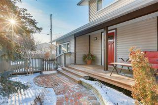 Photo 2: 10636 MAPLEGLEN Crescent SE in Calgary: Maple Ridge Detached for sale : MLS®# C4225392