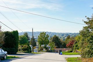 Photo 10: 2000 PALLISER Avenue in Coquitlam: Central Coquitlam House for sale : MLS®# R2352843
