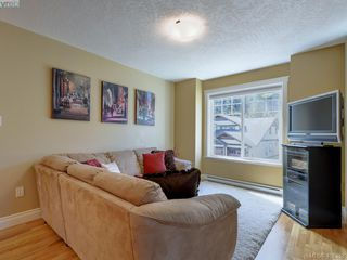 Photo 15: 2001 Duggan Pl in VICTORIA: La Bear Mountain Single Family Detached for sale (Highlands)  : MLS®# 811610