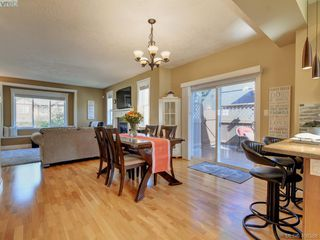 Photo 8: 2001 Duggan Pl in VICTORIA: La Bear Mountain Single Family Detached for sale (Highlands)  : MLS®# 811610