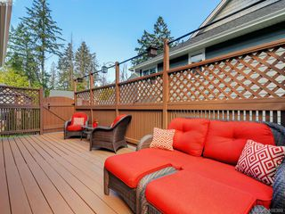 Photo 23: 2001 Duggan Pl in VICTORIA: La Bear Mountain Single Family Detached for sale (Highlands)  : MLS®# 811610