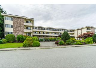 "Photo 2: 305 20460 54 Avenue in Langley: Langley City Condo for sale in ""WHEATCROFT MANOR"" : MLS®# R2363147"